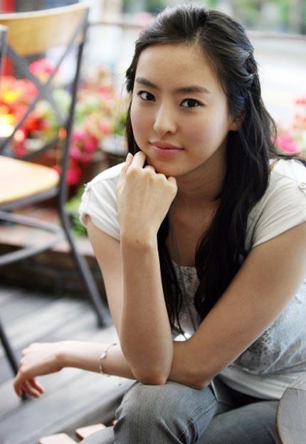 Birdie Buddy finds new lead in Lee Da-hee