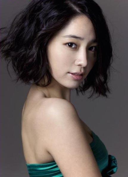 Lee Min-jung in romantic comedy Cyrano