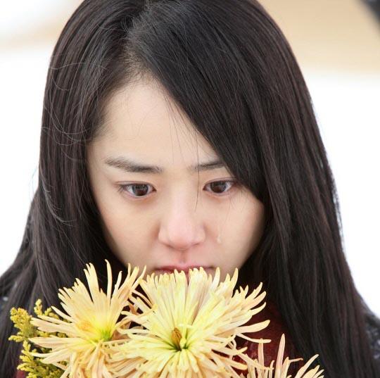 Moon Geun-young sheds tears for Cinderella's Sister
