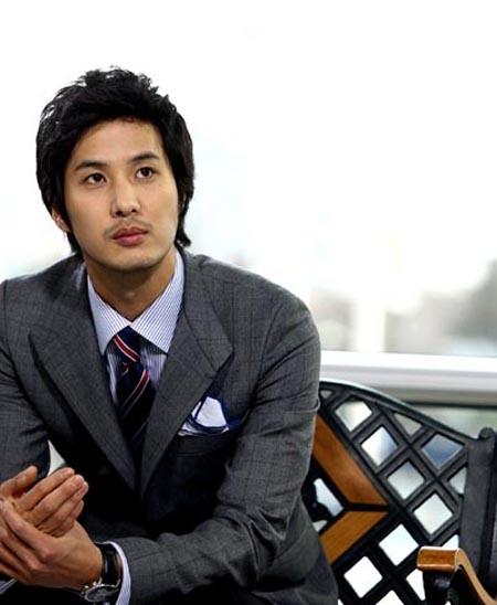 Kim Ji-suk plans for his upcoming enlistment