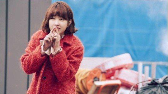 Park Hyung-shik arm-wrestles Strong Woman Do Bong-soon in new teaser
