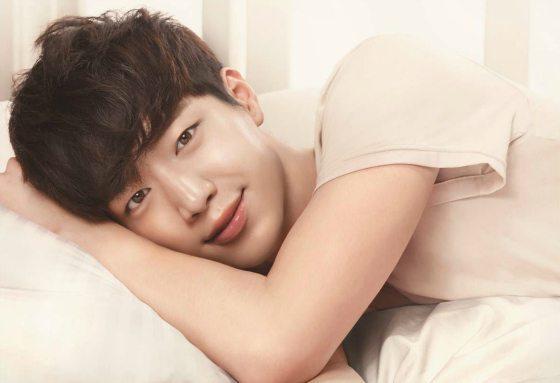 Seo Kang-joon confirms webtoon adaptation From A Distance, A Green Spring