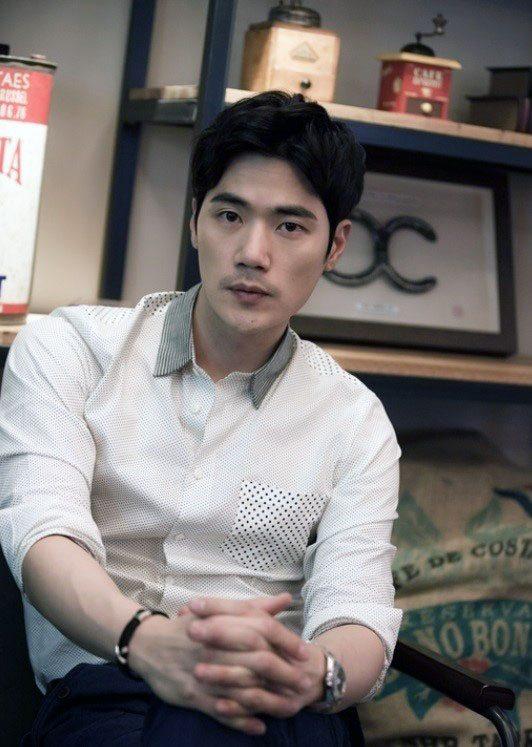 Kim Kang-woo offered tvN sci-fi mystery drama Circle
