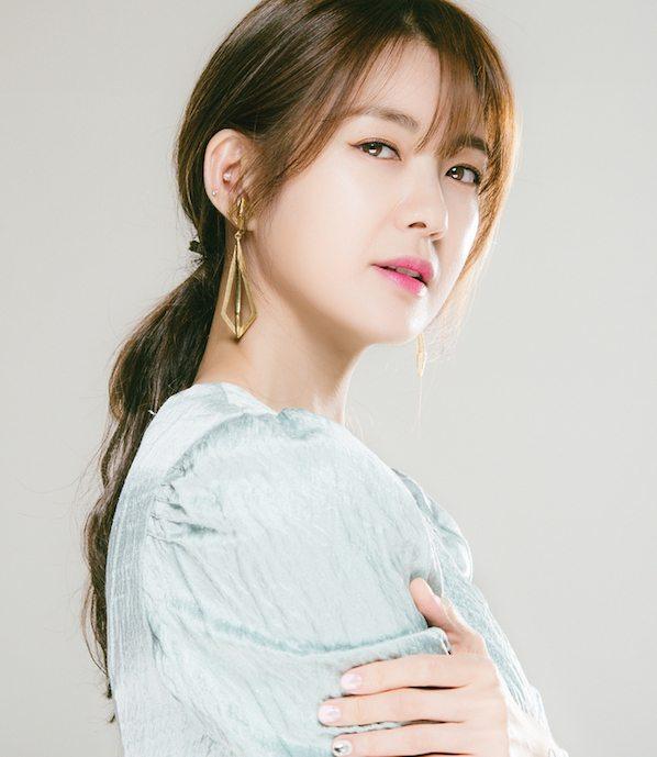 Lee Yo-won up to join Ra Mi-ran as part of revenge-seeking ajumma threesome