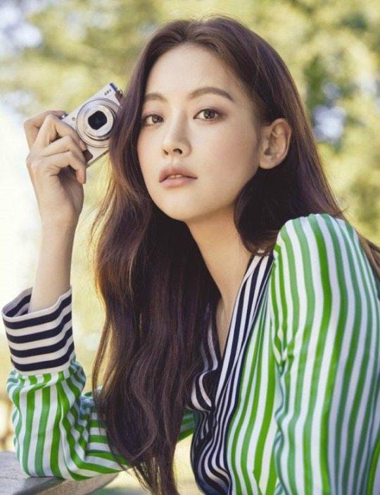 Oh Yeon-seo up to romance Lee Seung-gi in Hong sisters drama Hwayugi