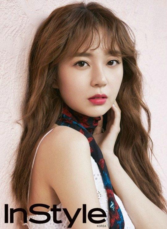 Baek Jin-hee offered starring role in office drama Jugglers