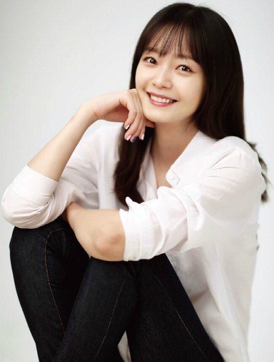 Jeon So-min offered tvN prison medical revenge drama Cross: God's Gift