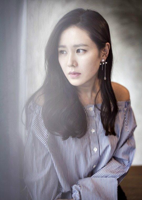 Sohn Ye-jin may become Pretty Noona Who Buys Me Food