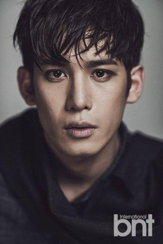 Park Ki-woong offered SBS legal mystery-thriller Return