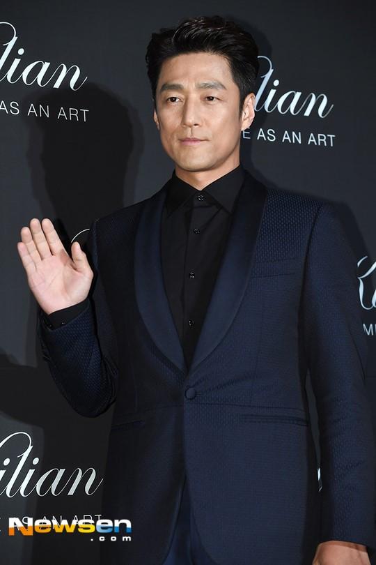 Ji Jin-hee, Kang Hanna considering Designated Survivor remake