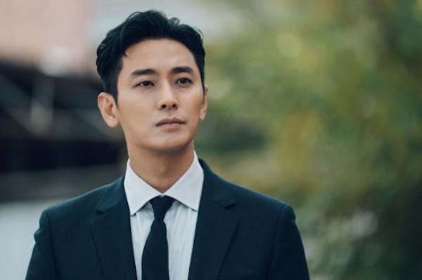 Chilling teasers for Joo Ji-hoon's fantasy-thriller Item