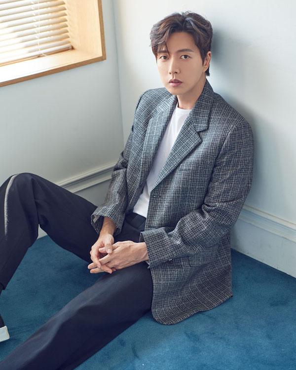 Park Hae-jin chooses next project, MBC's Old School Intern